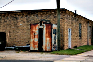 [picture: Abandoned Metal Shed 1]