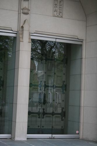 [Picture: Glass church door 3]
