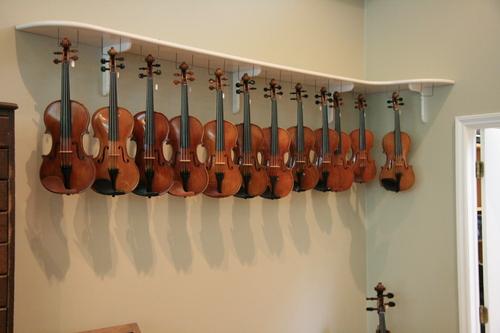 [Picture: Violins 1]