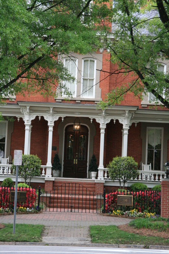 [Picture: Dodd-Hinsdale House 2]