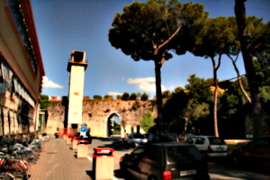 [picture: Gate in Pisa city walls 3]