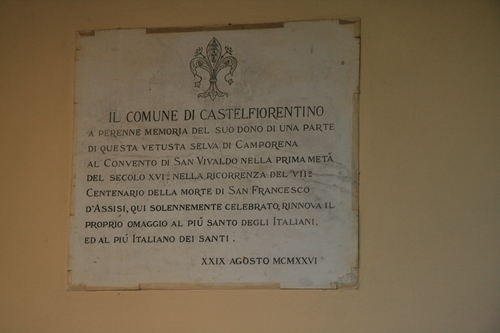 [Picture: Plaque in the small chapel of San Vivaldo]