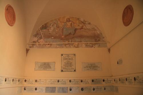 [Picture: Chapel of San Vivaldo]