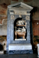[picture: A more elaborate tomb]