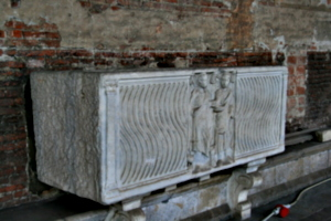 [picture: Fluted Sarcophagus From 3rd Century 3]