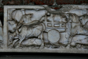 [picture: 1700-year-old stone coffin 1: carved scenes]