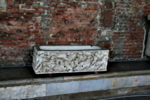 [picture: A Roman child's last resting-place 1]