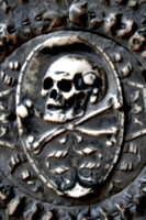 [picture: Skull and Crossbones 1]