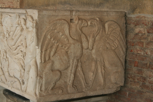 [Picture: Second century sarcophagus 1: gryphons]