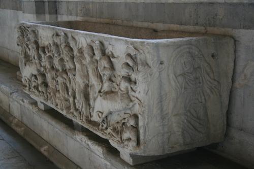 [Picture: saScophagus 2: relief]