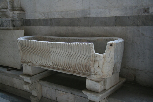 [Picture: Oval sarcophagus]