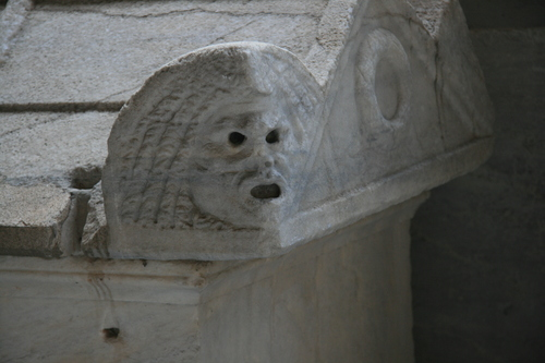 [Picture: Theatrical mask from late Roman stone coffin 1]