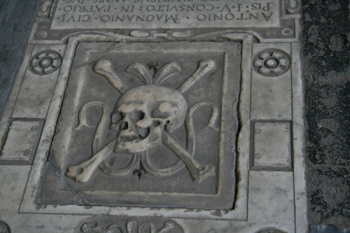 [Picture: Square Skull and Crossbones 2]