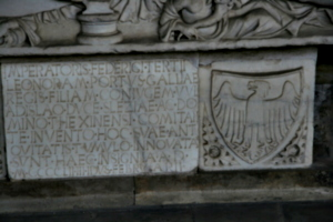 [Picture: Sarcophagus with inscription 3]