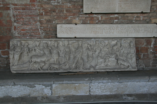 [Picture: 2nd century sarcophagus]
