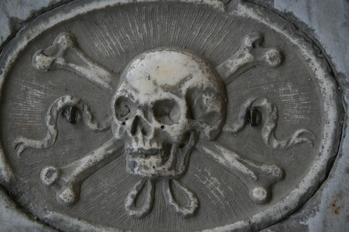 [Picture: Skull and crossbones 2]