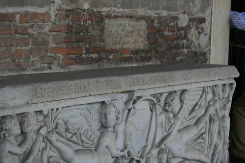 [Picture: 1700-year-old stone coffin 4: inscription]