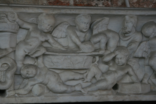 [Picture: putti at play 5]