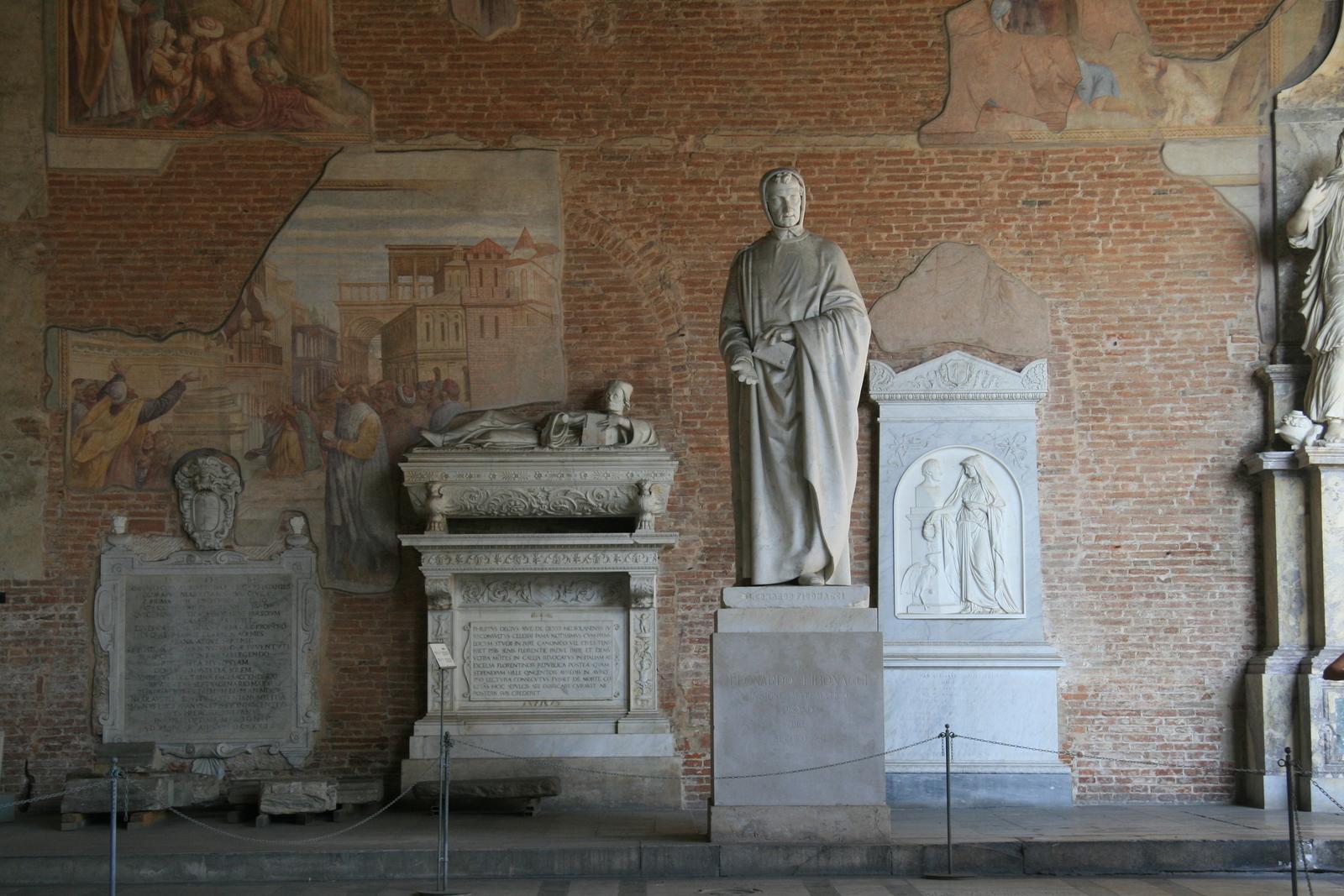 [Picture: Statue of Leonardo Fibonacci 2]