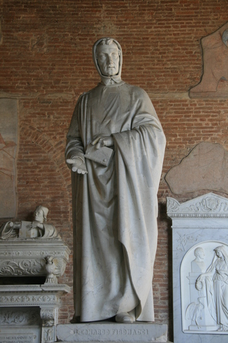 [Picture: Statue of Leonardo Fibonacci 6]
