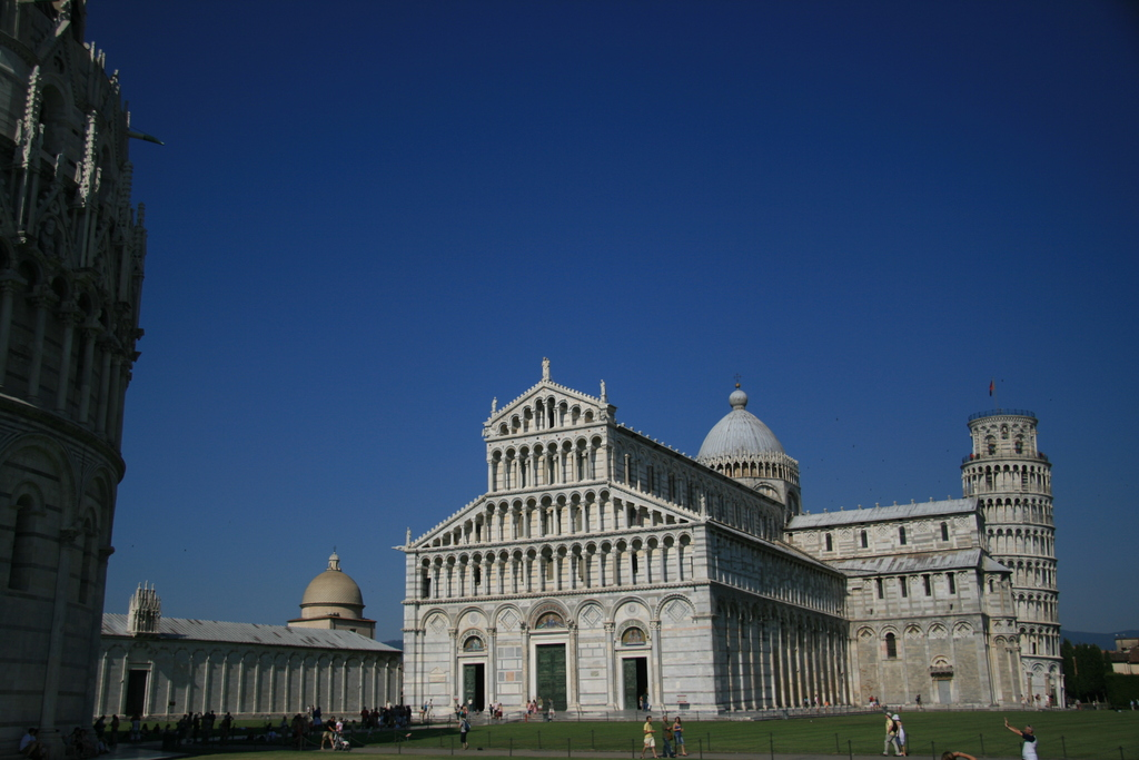 [Picture: Baptistry, Cemetary, Cathedral and Tower 2]