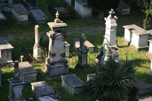 [Picture: Jewish Cemetary 16: Stone monuments]