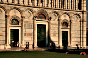 [Picture: Entrance to the Duomo 2]