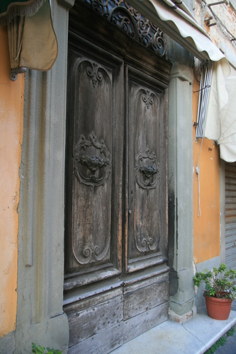 [Picture: Door knockers]