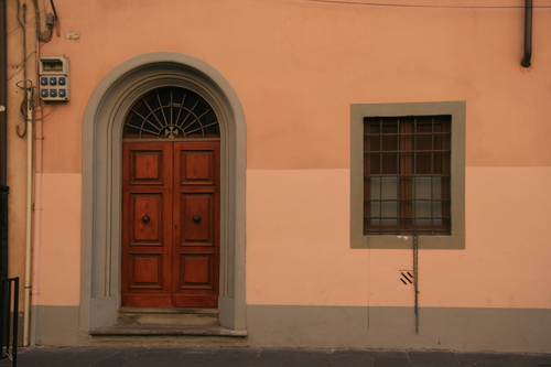 [Picture: Arched door]