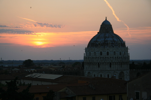 [Picture: View from the Hotel Balcony 6: Baptistry and birds]