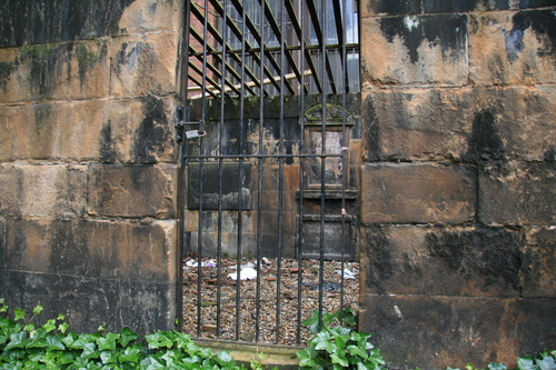 [Picture: Tomb in a cage 2]
