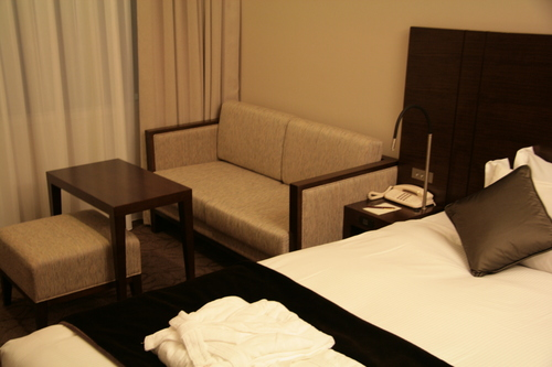 [Picture: Hotel Room 3]