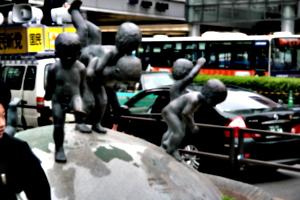 [picture: Big square 4: statue]