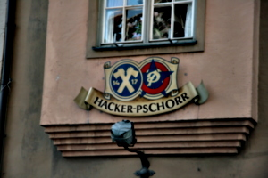 [picture: Hacker-Pschorr]