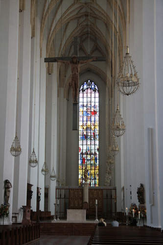 [Picture: Nave and Crucifix]