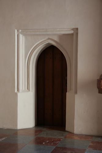 [Picture: Plain door]