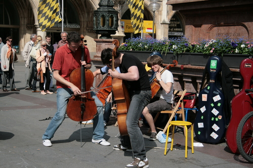 [Picture: Busking Cellists 2]