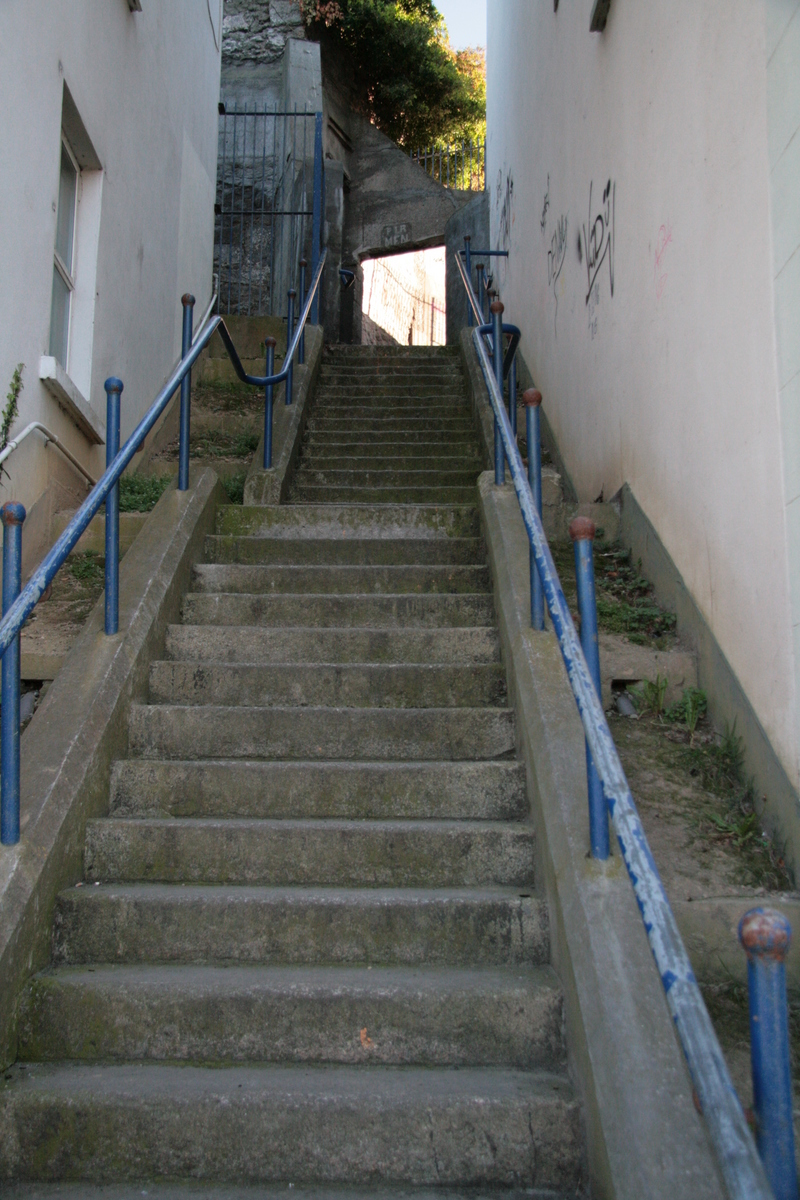 [Picture: Steps up]