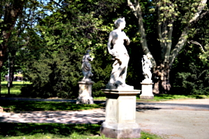 [picture: Three Statues]