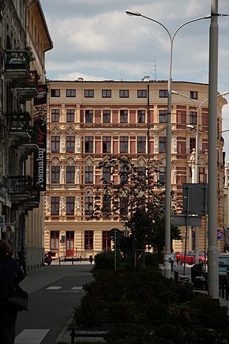 [Picture: Polish architecture]
