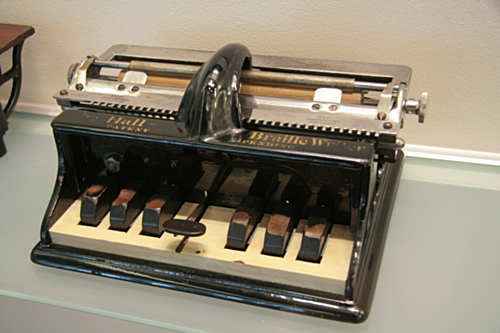 [Picture: Hall Braille Writer (1891) 1]