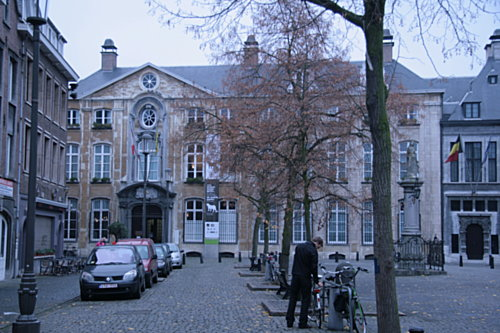 [Picture: The Plantin-Moretus Museum, front view]