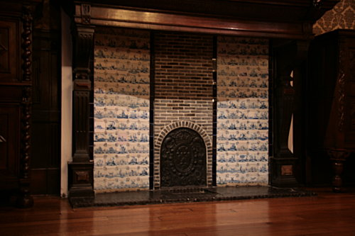 [Picture: Dutch fireplace]
